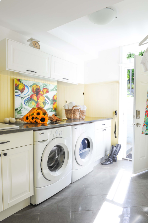 Simply-Home-Decorating_Boutique-Design-Studio_North-Vancouver-B.C._Decluttering_Laundry-Room