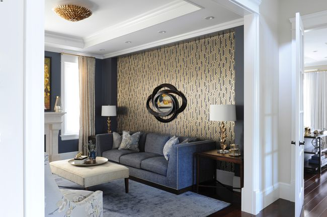 Simply-Home-Decorating_Boutique-Design-Studio_North-Vancouver-B.C._Dramatic-Modern-Living-Room_Accent-Wall