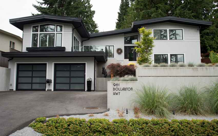 Simply-Home-Decorating_Boutique-Design-Studio_North-Vancouver-B.C._Exterior-After