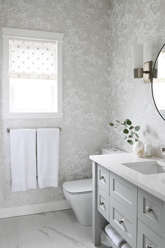 Simply-Home-Decorating_Boutique-Design-Studio_North-Vancouver-B.C._Realistic-Interior-Design-Budget_Bathroom