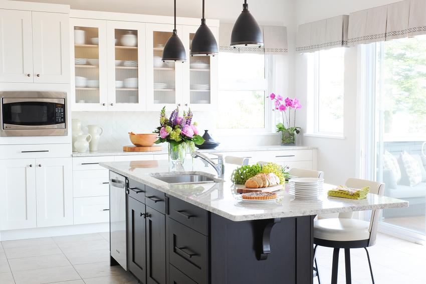 Simply-Home-Decorating_Boutique-Design-Studio_North-Vancouver-B.C._Realistic-Interior-Design-Budget_Kitchen