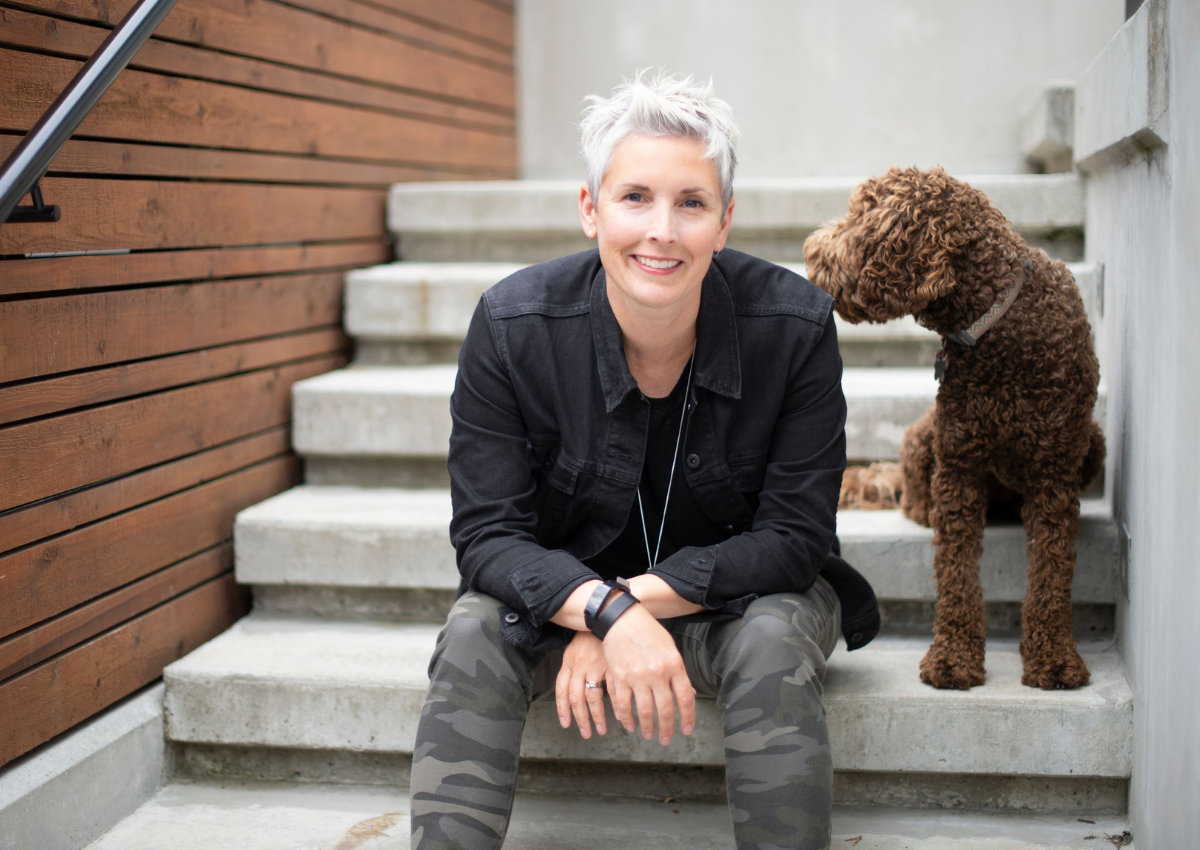 simply-home-decorating-blueridge-ca-lessons-learned-as-a-designer-woman-sitting-on-steps-with-dog