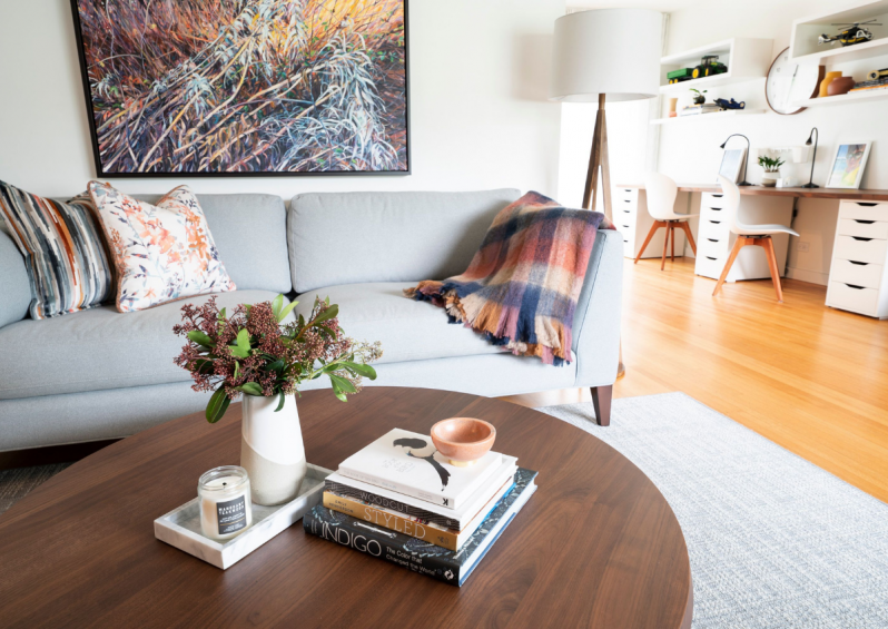 SimplyHomeDecorating-Vancouver-HomeRemodel-InteriorDesign-CosyHome-GrayCouch