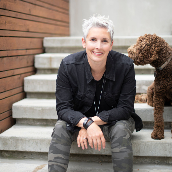 featured-image-simply-home-decorating-north-vancouver-ca-lessons-learned-as-a-designer-woman-sitting-on-steps-with-dog